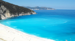 Myrtos-Beach-Krete-Greece-the-best-sand-plaza